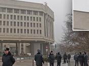 Banderas rusas Parlamento Crimea: Hombres armados toman edificio gobierno.