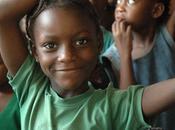 niños Guinea tienen lágrimas