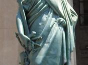 extraña diosa Temis Valparaíso