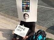 japonés hace cola para comprar iPhone