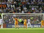 Real Madrid escapa Liga