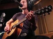 Arctic Monkeys imprimen estilo versión 'Feels Like Only Backwards' Tame Impala