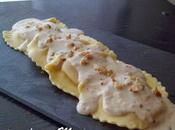 Raviolis rellenos queso cabra cebolla caramelizada, salsa nueces.