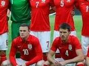 Inglaterra rejuvenecida liderada Steven Gerrard Wayne Rooney.