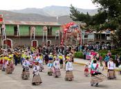 Chivay multicolor: Danza raza