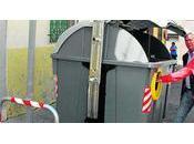 Motril coloca contenedores para personas movilidad reducida