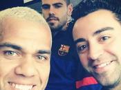 """Alves: Xavi, puede irse cualquiera"""""""