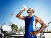 ¿cuanta agua debo beber día?
