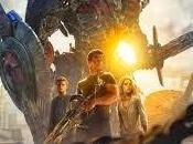 Transformers Extinción (Transformers: Extinction). Mira allá, ¡Explosiones!
