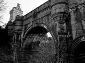 Overtoun Bridge: Puente Donde Perros Suicidan