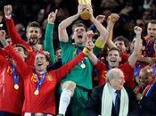 copas Iker Casillas levantado como capitán
