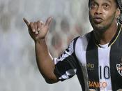Palmeiras trabaja para hacerse Ronaldinho