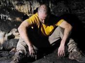cueva' agobiante supervivencia humana