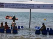 playa Levante estrena plataforma baño para personas movilidad reducida