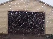 Sale garaje segundos antes tornado destruya