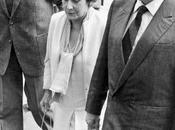 "mentiras ""historia oficial"". Arturo Alejandro Muñoz recuerda historia, verdadera"