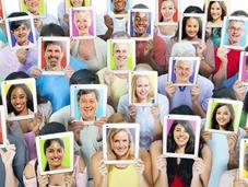 caras humanas evolucionado para únicas inconfundibles