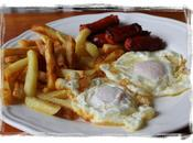 Huevos fritos patatas chistorra. Receta infancia