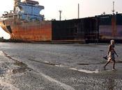 Desguace barcos Chittagong desde satélite