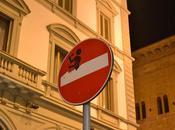 Anochece Florencia.