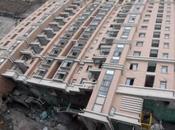 Edificio acostado Shangai