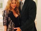 Shakira presume embarazo junto Piqué
