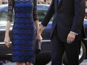 Dña. Letizia, azul zig-zag Varela, Premios Príncipe Asturias. Primeras imágenes