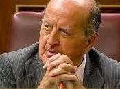 """Albendea, pide """"jubilación oro"""" para Juan Carlos"""