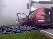 choque frontal entre camión furgoneta causa muertos Polonia