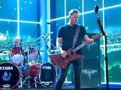 Metallica tocan 'Enter Sandman' vivo televisión