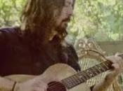Vídeo: Dave Grohl interpreta acústico 'Something from Nothing'