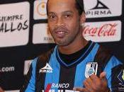 Kabuscorp Angola quiere contratar Ronaldinho