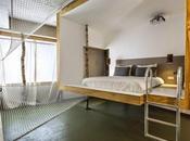 diseñadores participan creación habitaciones hotel Volkshotel, Amsterdam.