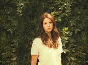 Escucha canciones Lana para nueva película Burton
