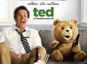 Crítica TED: peluche liga