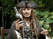 JOHNNY DEPP toca descansar