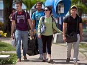 Jóvenes universitarios EE.UU. visitan ciudad cubana Cienfuegos