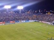 Ronaldinho llena estadio Alfonso Lastras