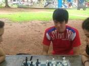 jóvenes ajedrez