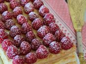 Tarta milhojas hojaldre crema pastelera frambuesas