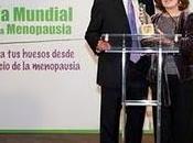 actriz Maria José Goyanes recibe galardón AEEM