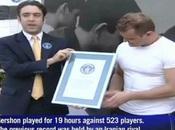 Video- Alik Gershon, récord Guinness partidas ajedrez simultáneas 2010
