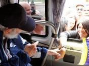 Gesto significativo Fidel Castro: solidaridad Venezuela fotos]