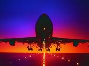 Hombre alega haber hackeado avión pleno vuelo