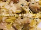 Espaguetis salsa cremosa setas