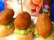 Canapé croquetas pollo aguacate, cebolla, nueces cilantro