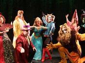 """Maquineta"""" llega Teatro Nuevo Apolo para conmemorar años sobre escenario."""