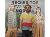 """Alfombra Roja Entrevista Manuel Burque, protagonista """"Requisitos para persona normal"""""""
