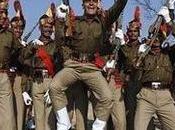 """""""India impone como obligatorio yoga para millón policías"""""""