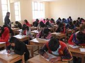 Jóvenes Velille, Livitaca Chamaca rindieron examen becas Centro Universitario Qorilazo.